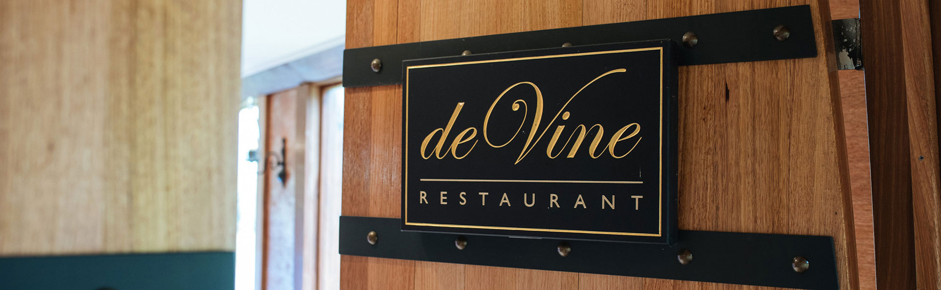 deVine Restaurant
